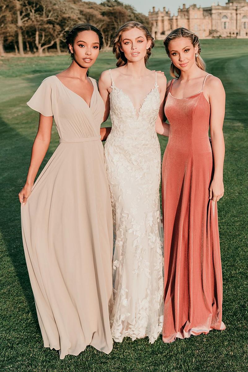 9716 Allure Bridals Contrasting blossoms